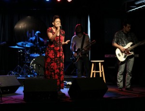 Daya Lorin Live Performance